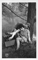 COUPLE-ROMANTIQUE - AMOUREUX - Ansichtskarten