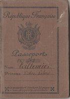 PASSEPORT  1936  TRES BON ETAT AVEC ETIQUETTE  INTERDISANT L'ACCES A L'ESPAGNE POUR CAUSE DE PASSAGE A GIBRALTAR - Vecchi Documenti