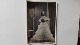 """1943 - Foto Di Cantanti D'Opera Al Teatro La Scala Di Milano - Mafalda Favero In """"La Traviata"""" - Opera"""