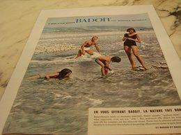 ANCIENNE PUBLICITE NI PLATE NI TROP GAZEUSE MINERALE BADOIT  1964 - Affiches