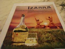 ANCIENNE PUBLICITE LIQUEUR IZARRA 1963 - Alcools