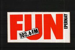 Autocollant -     RADIO UN 102,6 FM EPERNAY - Autocollants