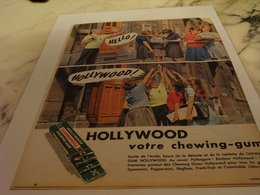 ANCIENNE   PUBLICITE HELLO  CHEWING GUM HOLLYWOOD 1958 - Affiches