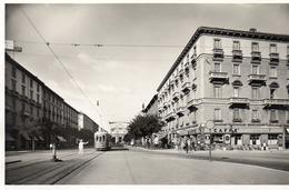 MILANO - VIA VITTORIO PISANI E LA STAZIONE CENTRALE - 1- NON VIAGGIATA - Milano