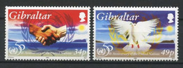 GIBRALTAR 1995 N° 744/745 ** Neufs MNH Superbes C 4 € Faune Oiseaux Colombe ONU Nations Unies Mains Emblème - Gibraltar