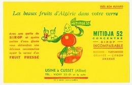 Buvard 20.9 X 13.4 MITIDJA 52 Sirop De Fruits Pressés D'Algérie  Usine à Cusset Allier Vert - Softdrinks