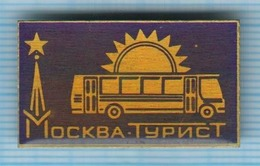 USSR /  Badge / Soviet Union / RUSSIA. Tourism. Tourist. Bus. Auto. Transport Moscow. - Altri