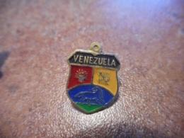 A038 -- Pin's Blason Venezuela - Villes