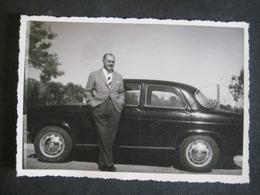 AUTO EPOCA OLD CAR VOITURE UOMO HOMME MAN - Coches