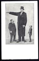 CPA PRECURSEUR- FRANCE- CURIOSITÉ DE 1900- LE GEANT- LE NORMAL ET LE PETIT RÉUNIS SUR LA MÊME VUE- - Unterhaltung
