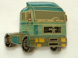 Pin's CAMION MAN - Transports