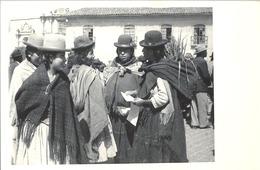 BOLIVIA , TARJETA POSTAL  NO CIRCULADA , MUJERES EN EL MERCADO - Bolivia