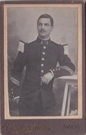 CDV  Portrait D'un Beau Militaire  Du 2ème Régiment De Chasseurs ?  Par Camille Arnoux  Photograph à Amiens (80 - Krieg, Militär