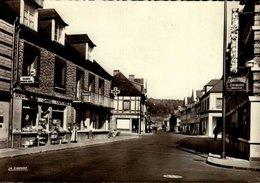 76-BLANGY Sur BRESLE....LA GRANDE RUE AVEC COMMERCES...CPSM GRAND FORMAT - Blangy-sur-Bresle