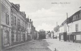 Janville : Place Du Martroi. (Voir Commentaires) - Frankreich