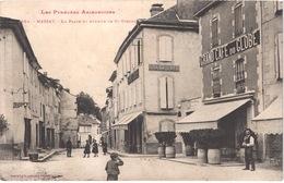 FR09 MASSAT - Labouche 364 - La Place Et Avenue De SAINT GIRONS - Grand Café Du Globe - Animée - Belle - Otros Municipios