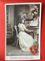 ELLE ASSISE AU PIANO ... BIJ DE PIANO - Donne