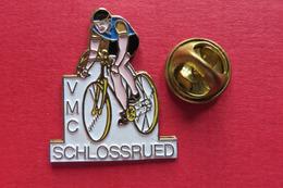 Pin's,Sport,Velo,VMC SCHLOSSRUED,Cycliste,Bike,Suisse,limité - Cyclisme