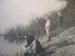 """02 - AZY - """" LE PONT DETRUIT EN 1918 """" - LAVANDIERE ET PECHEURS A LA LIGNE ..."""" RARE """" . - France"""
