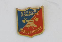 1 Pin's Sapeurs Pompiers De PREUSCHDORF (BAS RHIN-67) - Pompiers
