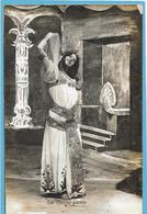 LA DANSE SACREE - Femme Arabe - Donne