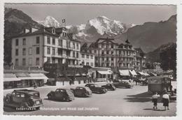 OR456 - SUISSE - INTERLAKEN - Bahnhofplatz Mit MÖNCH Und Jungirau - Hotel Merkur - Belles Voitures Anciennes - BE Berne