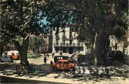 - Dpts Div -ref-AM577- Var - Le Luc En Provence - Place De La Liberté - Arbres - Voitures - Caravane  - Carte Bon Etat - - Le Luc