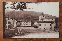SARE (64) - LA PLACE DU TRINQUET - LA MAIRIE ET L'EGLISE - Sare