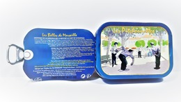 """BOITE à  SARDINES LES  BELLES DE MARSEILLE """"LES PITCHOUNETTES"""" - Boîtes"""