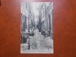 Carte Postale  - CALAIS (62) - Une Rue Au Courgain - Quartier Maritime Très Ancien ... (3481) - Calais