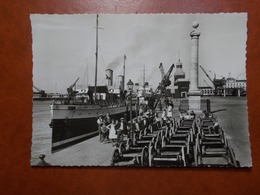 Carte Postale  - CALAIS (62) - Le Quai De La Colonne Et Le Gare Maritime (3500) - Calais