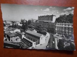 Carte Postale  - ROYAT (63) - Centre Thermal Et Les Grands Hôtels (3509) - Royat