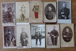 10 Cdv Militaire XIX Avec Casque, Kepi , Fusil  Divers Photographes - Guerra, Militares