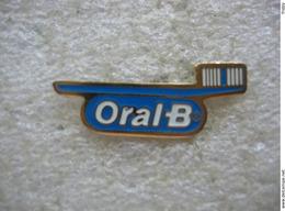 Pin's Brosse à Dents Oral B - Médical