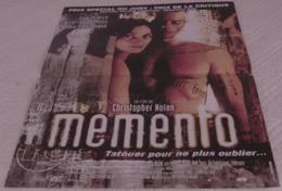 AFFICHE CINEMA ORIGINALE FILM MEMENTO Christopher NOLAN Guy PEARCE 2000 TBE - Affiches & Posters