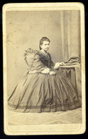 PEST 1860. Ca. Licskó János : Ismeretlen Hölgy, Visit Fotó  /  János Licskó: Unknown Lady Visit Photo - Photographs