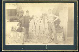 1890-95. Ca. Katonák, Kerékpárral Régi Fotó 16*11 Cm - Otros