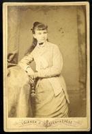 NAGYVÁRAD 1875. Ca. Lojanek : Ismeretlen Lány Visit Fotó  /  Lojanek: Unknown Girl Visit Photo - Otros