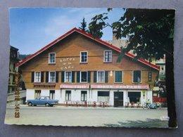"""CP 25 MORTEAU  - L'hôtel De La Gare,  Bandeau """"Bière Chopard """" Mobylette Bleue Motobécane , Voiture  1991 - Autres Communes"""