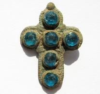 Stunning Medieva Period Bronze Cross Pendant With 6 Stones - Archéologie