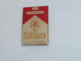 Pin's PAQUET DE CIGARETTES MARLBORO - Autres