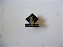PINS  A SUIVRE / Signé Winner / 33NAT - Informatique