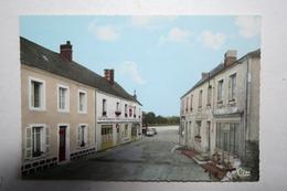 61 : Coulimer  - La Rue Et La Place ( Café Du Commerce ) - Courtomer
