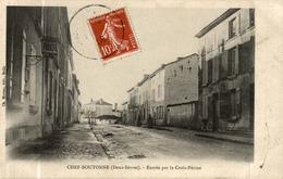 CHEF BOUTONNE ENTREE PAR LA CROIX PERINE - Chef Boutonne