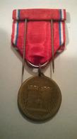 Médaille VERDUN On Ne Passe Pas 21 Février 1916 Avec Boite Et Broche - Francia