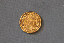 Australia 2016 Near Mint $1 Coin Kangaroo QEII - Dollar