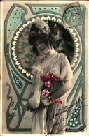 Femme Photo - 737 Décor Art Nouveau Coiffe Fleurs - Femmes