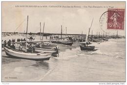 N6- 13) LES  SAINTES  MARIES- DE LA MER - CAMARGUE  (BOUCHES DU RHONE) UNE VUE D'ENSEMBLE DE LA PLAGE - Saintes Maries De La Mer