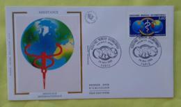 FRANCE Medecine, ASSISTANCE MEDICALE INTERNATIONALE,Yvert N° 2535, FDC, Enveloppe 1 Er Jour SUR SOIE 1988 - Medizin