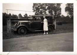 Photo Originale Renault Type RY 2 & Sa Conductrice Vers 1930 - Automobile